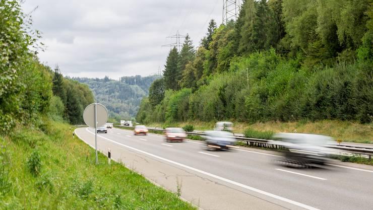Die Autobahn A1 bei Suhr.