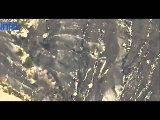 Videoaufnahmen von der Absturzstelle des Germanwings-Flugzeugs