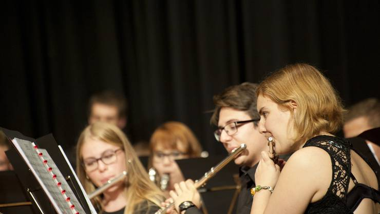 Zum Orchester gehören natürlich auch Piccolo und Flöten.
