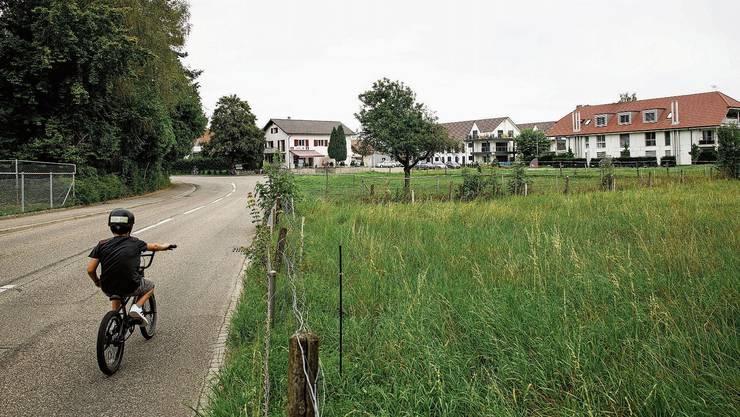 Entwicklungsgebiet im Zentrum von Oekingen. Die Spichermatt liegt vor dem Gebäude rechts.