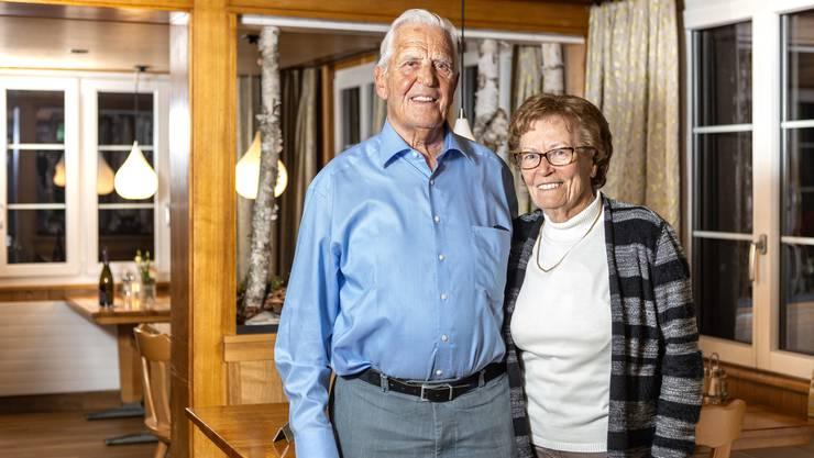 Die ältesten Teilnehmer: Heidi und Bernhard, beide 89 Jahre alt und verwitwet.