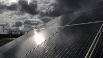 Solaranlagen sollen in Basel-Stadt in wenig heiklen Zonen ohne Bewilligung erstellt werden respektive weniger Auflagen erfüllen müssen. (Symbolbild)