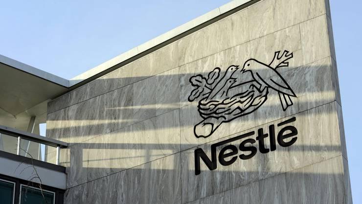 Nestlé holt einen Rivalen ins eigene Nest.
