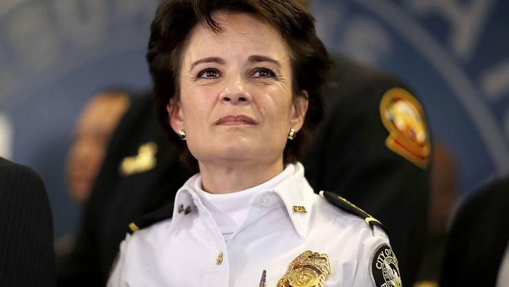 Die Bürgermeisterin der Metropole Atlanta im US-Bundesstaat Georgia, Keisha Lance Bottoms, hat nach der Tötung des Afroamerikaners Rayshard Brooks bei einer Festnahme Polizeireformen angekündigt.