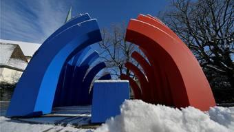 Die Skulptur «Tag und Nacht» von Marc Reist an der Lindenstrasse – hier wird man entschleunigt.