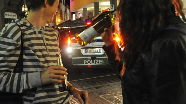 Ihre Gewaltbereitschaft ist deutlich angestiegen: Schweizer Jugendliche. was sind die Ursachen?