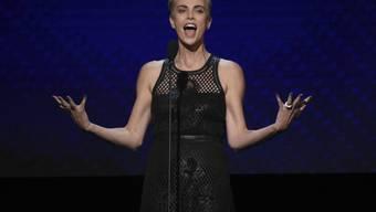 Charlize Theron freut sich über die Verleihung des prestigeträchtigen American Cinematique Award.