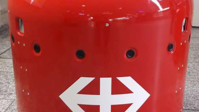 Reinigungsroboter hilft Bahnhöfe putzen