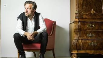 Offener Dialog mit der Tradition: Lukas Bärfuss. Chris Iseli