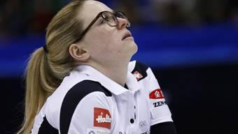 Auch in diesem Jahr muss Curlerin Alina Pätz mit ihren Teamkolleginnen das Budget für die neue Saison zusammenkratzen.