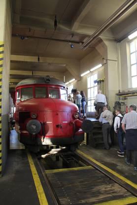 """Der berühmte """"Rote Pfeil"""", ein Elektrotriebwagen aus den 30er Jahren des letzten Jahrhunderts"""