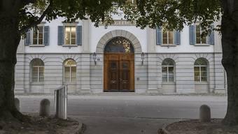 Das Obergericht Zürich veruteilte einen 70-Jährigen wegen Betrug und Urkundenfälschung. (Symbolbild)