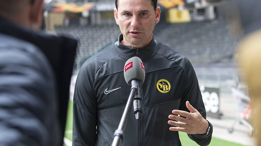 YB-Coach Gerardo Seoane ärgert sich im Gespräch mit dem Schweizer Fernsehen über die zwei Gegentore