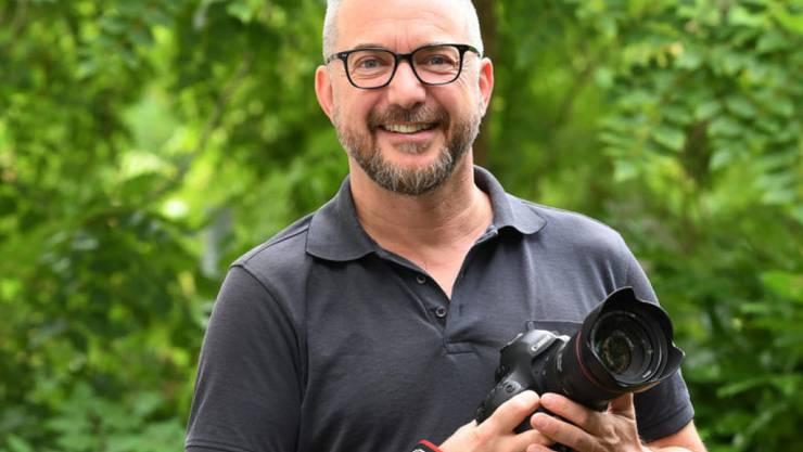 """Der frühere TV-Moderator Patrick Rohr führt ab Freitag durch die dreiteilige SRF-Dok-Serie """"Fokus Japan"""". (SRF)"""
