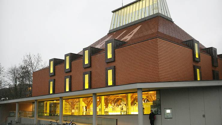 Die Kantonsbibliothek verliert neben dem geplanten Hochhaus an Strahlkraft. Das gefällt dessen Chef nicht.