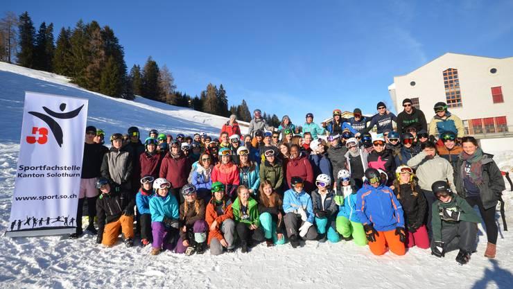Die 64 Lagerteilnehmerinnen und -teilnehmer auf der Lenzerheide.