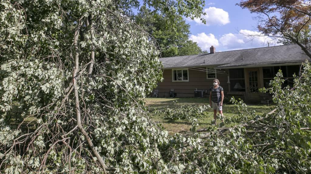 Tage nach Sturm «Isaias» noch Hunderttausende ohne Strom
