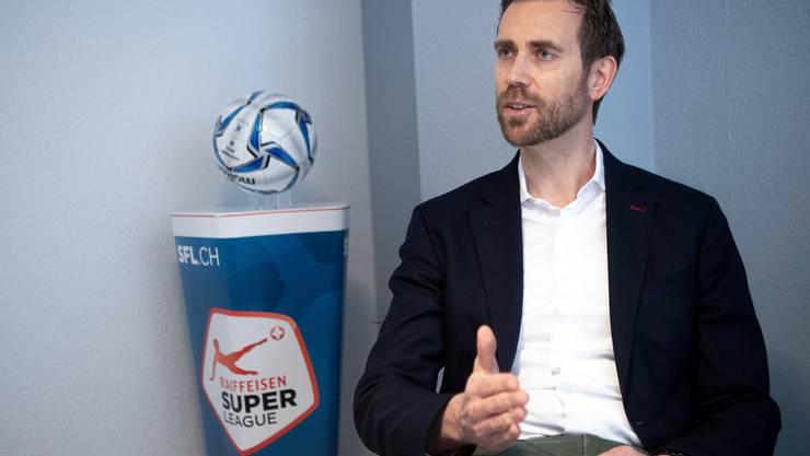 Claudius Schäfer, CEO der Swiss Football League, begründet, warum man dringend wieder Zuschauer braucht.