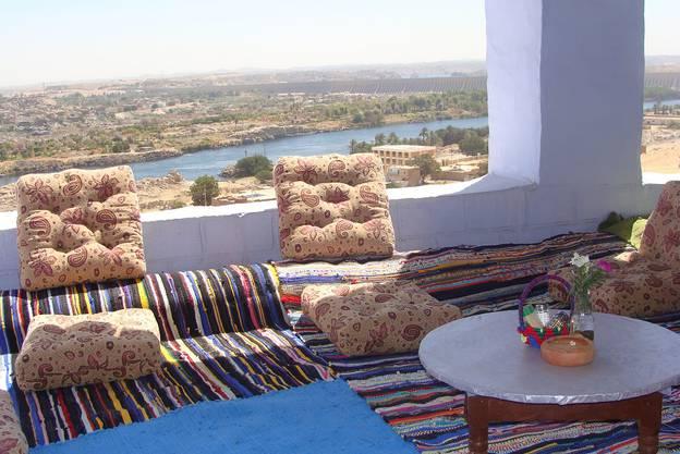 Vom offenen Restaurant aus hatte man einen schönen Blick auf den vorbeiziehenden Nil.