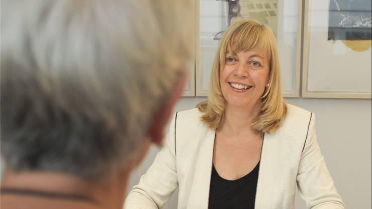 Die Basler Ombudsfrau Regula Diehl schlichtet bald auch Konflikte zwischen Baselbieter Betagten und den Heimen. (Archiv)