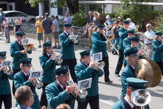 Parademusik der BB Frohsinn Laupersdorf unter der Leitung von Wolfgang Nussbaumer