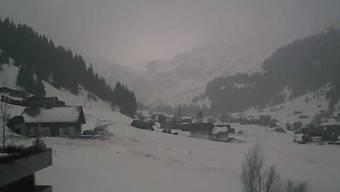 Gruusig, aber mit genügend Schnee: Adelboden heute Morgen.