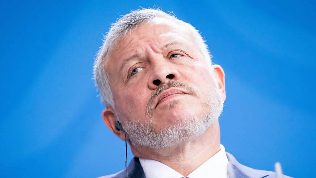ARCHIV - Jordaniens König Abdullah II. setzte Prinz Hamsa 2004 als Thronfolger ab - und ernannte später seinen eigenen Sohn zum neuen Kronprinzen. Foto: Kay Nietfeld/dpa