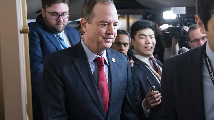 Der Abgeordnete Adam Schiff soll im Amtsenthebungsverfahren gegen US-Präsident Trump die Anklage leiten. Der Vorsitzende des Geheimdienstausschusses im Repräsentantenhaus und frühere Bundesanwalt ist einer der schärfsten Widersacher Trumps.