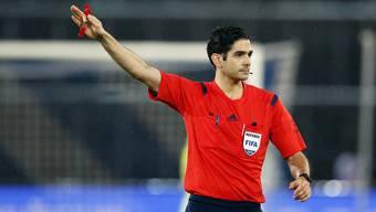 Der Basler Fifa-Schiedsrichter Adrien Jaccottet ist von den Massnahmen ebenfalls betroffen.