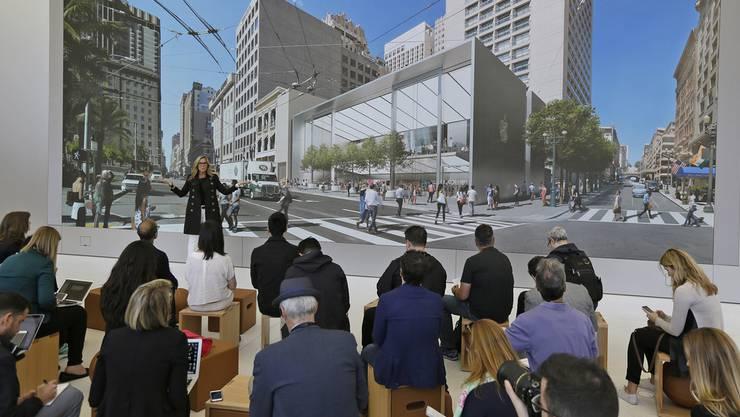 In San Francisco werden – vor allem wegen der Tech-Branche – die höchsten Löhne bezahlt. Hier stellt eine Apple-Managerin einen neuen Laden vor. (Archiv)