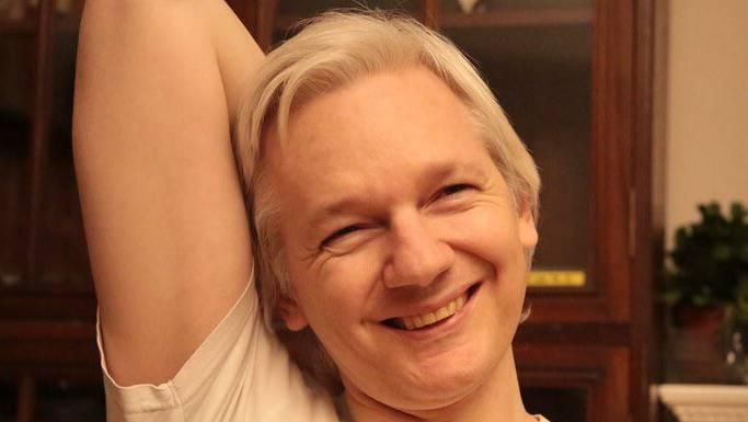 Dieses Bild postete Assange nach der Ankündigung auf Twitter.