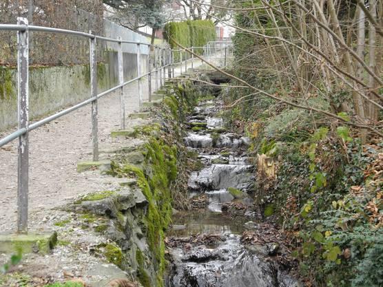 Der Chräbsenbach war bis 1803 die kirchliche Grenze zwischen Unter- und Ober-Oetwil