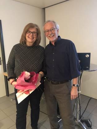 Massimo Fini ehrt Andrea Sahmer nach  8 Jahren Vorstandsarbeit