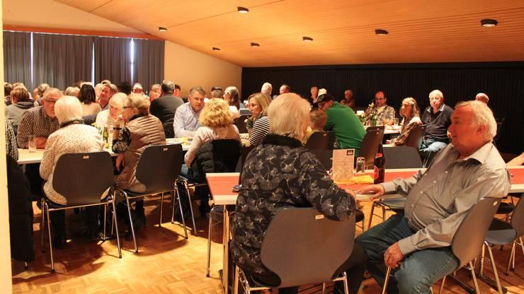 Die Nachmittagsvorstellung fand im Gemeindesaal Nassenmatt statt. Zur Premiere am Vorabend gab es noch Livemusik.