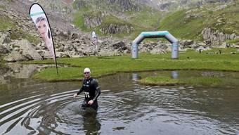 Extremsportler Andreas Fath ist im Juli 2014 an der Rheinquelle zur Rheindurchquerung aufgebrochen (Archiv)