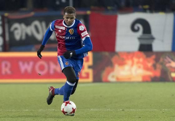 Wie lange sehen wir Manuel Akanji noch im Basel-Trikot?