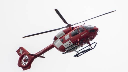 Arbeiter stürzt von Dach – schwer verletzt