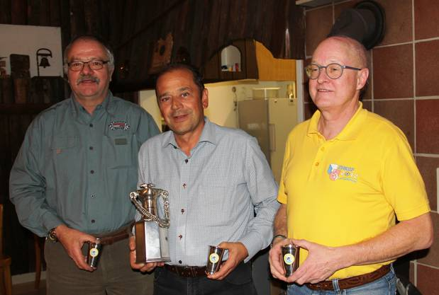 Vereinsmeisterschaft lizenzierte (vl) Peter Gamper (2.), Hans-Rudolf Meier (1.), Bruno Lässer (3.)
