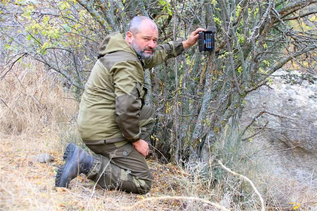 Wildtierforscher Alexander Malkhasyan braucht Ausdauer. Auf den Fotos seiner Kamerafalle sind vor allem Füchse und Marder zu sehen.