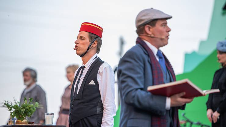 Operette Grüezi der Bühne Burgäschi: Hotelportier und Regisseur treffen sich