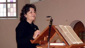 Mittelpunkt der Feier war das Referat der Kunsthistorikerin Susanne Ritter-Lutz, das die Geschichte der Kirche nachzeichnete.