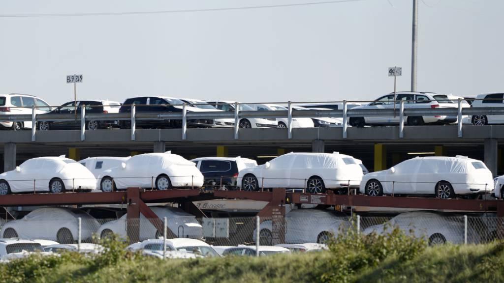 Schweizer Automarkt bleibt im Juli unter Druck
