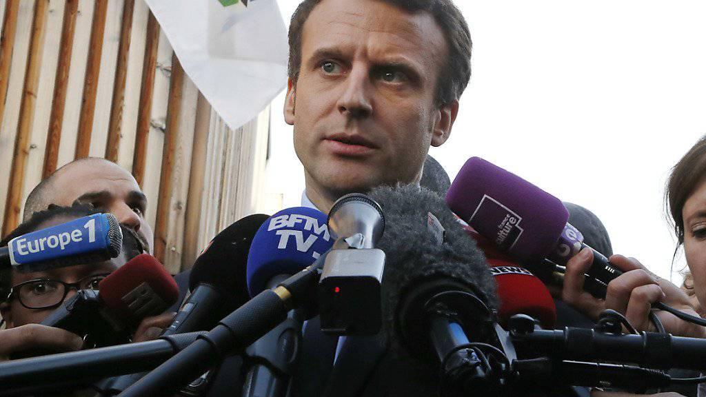 Emmanuel Macron muss seinen Berater ziehen lassen: Jean-Jacques Mourad bat wegen möglicher Interessenkonflikte um Entbindung aus dem Stab des französischen Präsidentschaftskandidaten.