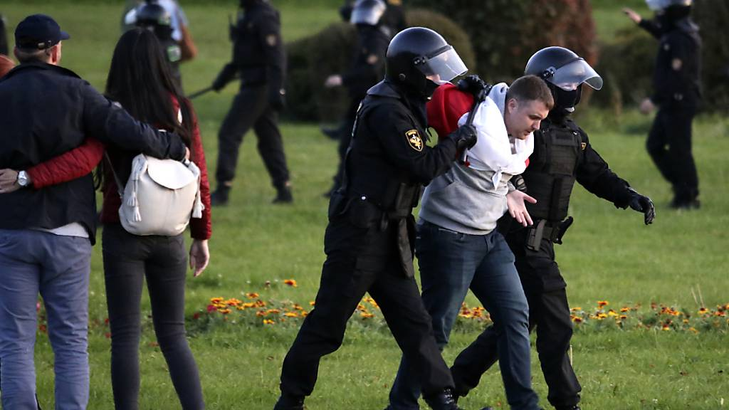 Mehr als 360 Festnahmen bei Belarus-Protest gegen Lukaschenko