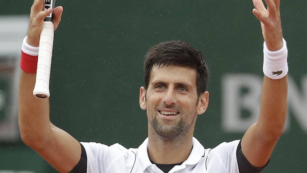 Novak Djokovic gewinnt in vier Sätzen und steht im Achtelfinal