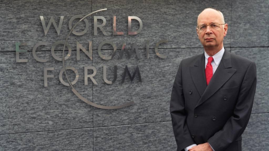 Gründer Klaus Schwab kann im 50. Jubiläumsjahr des WEF erneut eine prominente Gästeliste vorweisen. (Archivbild)