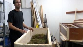 «Damit kann die Natur erneut aufblühen»: Erfinder Bob Hendrikx stellt den lebendigen Sarg vor.