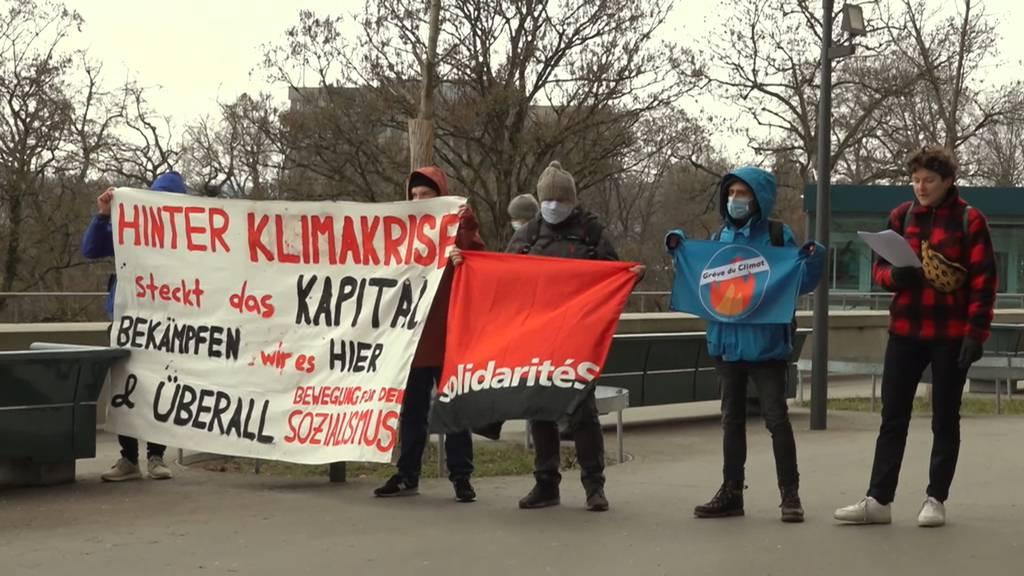 Klimastreik reicht 7000 Unterschriften gegen das CO2-Gesetz ein