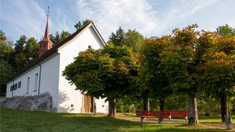 Die Wendelinskapelle über Sarmenstorf soll an dem Ort stehen, wo die drei Angelsachsen unter dem Felsen starben.