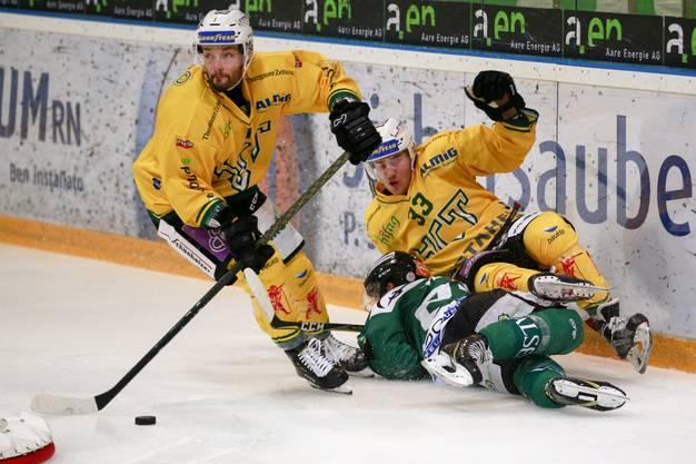 Joachim Vodoz wird von zwei Thurgauern attackiert.